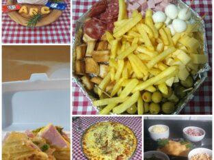 Petiscos , pastéis, pizza e bebidas