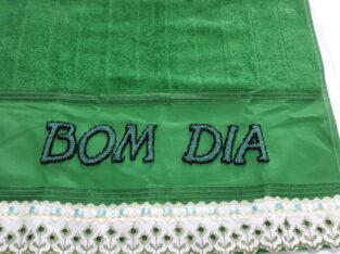 BORDADO ARTESANAL EM TOALHAS