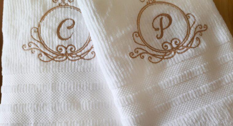 Toalhas personalizadas bordadas